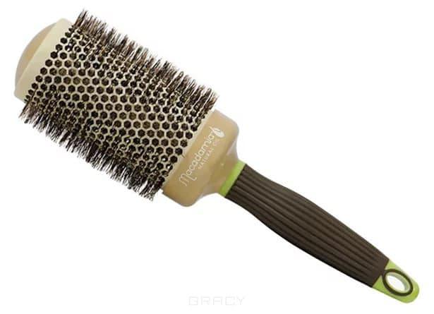 Брашинг Hot Curling Brush, 53 ммHOT CURLING BRUSH - это уникальные брашинги, оказывающие антистатическое воздействие и придающие прическе неповторимое сияние и мягкость. С помощью таких брашингов вы легко сможете создать элегантные локоны или, напротив, выпрямить волосы. Здесь использована только натуральная щетина, благодаря чему расчесывание будет бережным, а сушка и укладка - легкими. Каждый брашинг снабжен удобной ручкой, а широкий ассортимент позволит вам выбрать тот диаметр изделия, который будет максимально соответствовать вашим потребностям.<br>