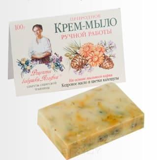 Мыло Кедровое масло и цветки календула, 100 грОписание:&#13;<br> &#13;<br> Природное крем-мыло с тонизирующим и легким противовоспалительным действием увлажняет и разглаживает кожу.&#13;<br> &#13;<br> Мыльный корень – это натуральная, хорошо пенящаяся основа, которая намного мягче, чем щелочная, используемая обычно. Масло кедровых орешков питает кожу, способствуя более активному процессу обновления клеток и омолаживанию кожи, а календула очищает ее.<br>