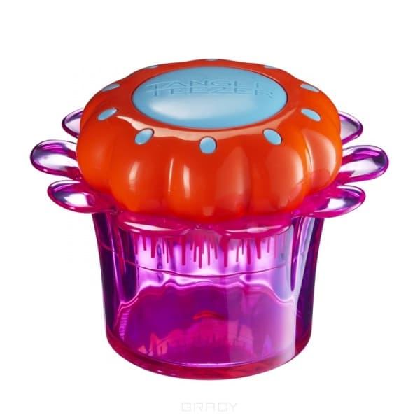 Детская расческа для волос Magic Flowerpot Popping PurpleРасческа Magic Flowerpot   разработана специально для ухода за детскими волосами. Детская чудо-расческа идеально расчесывает запутанные волосы, не причиняя дискомфорта и не нарушая нежную структуру детских волос. Уникальная форма и расположение зубчиков разного размера позволяет без проблем расчесать даже мокрые волосы от корней. Детская расческа Tangle Teezer уникальное в своем роде средство, которое обеспечивает бережный уход, распутывает и распрямляет детские волосы, предотвращает сечение, ломкость волос и придает им блеск. Magic Flowerpot выполнена в форме цветочка, находящегося в стакане, который превращается в шкатулку, где можно хранить резиночки и прочие детские мелочи. Изготовлена из экологически чистого сырья и безопасна для восприимчивой детской кожи, подходит детям от 3 лет. &#13;<br> &#13;<br>    &#13;<br>   &#13;<br> &#13;<br>Особенности расчески Magic Flowerpot:&#13;<br> &#13;<br>Подходит для всех типов волос&#13;<br> &#13;<br>Идеально при расчесывании как сухих, так и мокрых волос&#13;<br> &#13;<br>Не ломает, не цепляет, не тянет, не выдирает...<br>