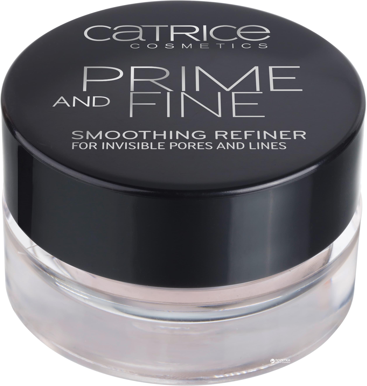 Основа выравнивающая Prime And Fine Smoothing RefinerЛинейка средств Prime and Fine от Catrice объединяет в себе профессиональные продукты для идеального макияжа.&#13;<br> &#13;<br> Основа без масел Smoothing Refiner на основе силикона идеально справляется с маскировкой расширенных пор и мелких морщин, делая кожу гладкой и обеспечивая идеальную подготовку для стойкого макияжа.&#13;<br> &#13;<br>Мягкое суфле нежно-розового цвета. Несмотря на такую текстуру, не вытечет из баночки, если ее случайно перевернуть. Праймер очень и очень легкий, нежный. Несмотря на то, что сделан он на основе силикона, нет ощущения резины или ненатуральной гладкости. Запах легкий, кремовый.<br>
