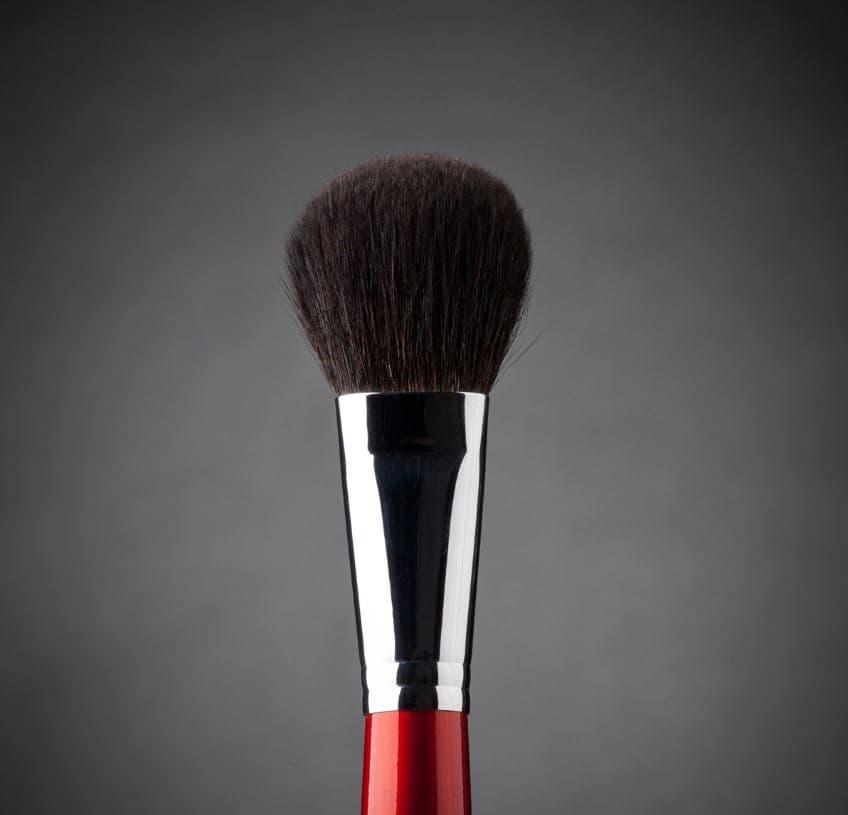Фото - Ludovik, Кисть овальная для пудры, сухой коррекции и румян, белка, d 19, 4b valeri d кисть для пудры и румян из волоса белки со скосом 22м 2240