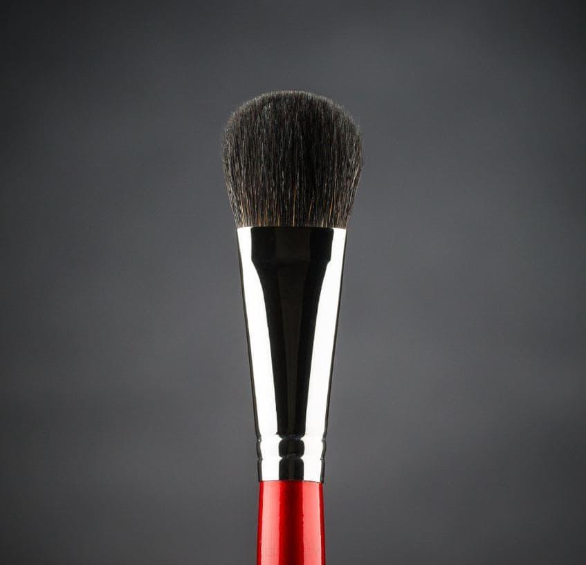 Ludovik Кисть овальная для сухой коррекции и румян, енот, d 15, 31e valeri d кисть для румян из волоса енота со скосом 16м 9240